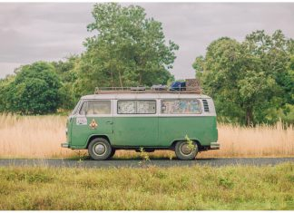 Du lịch cùng xe cổ volkswagen Bus T2